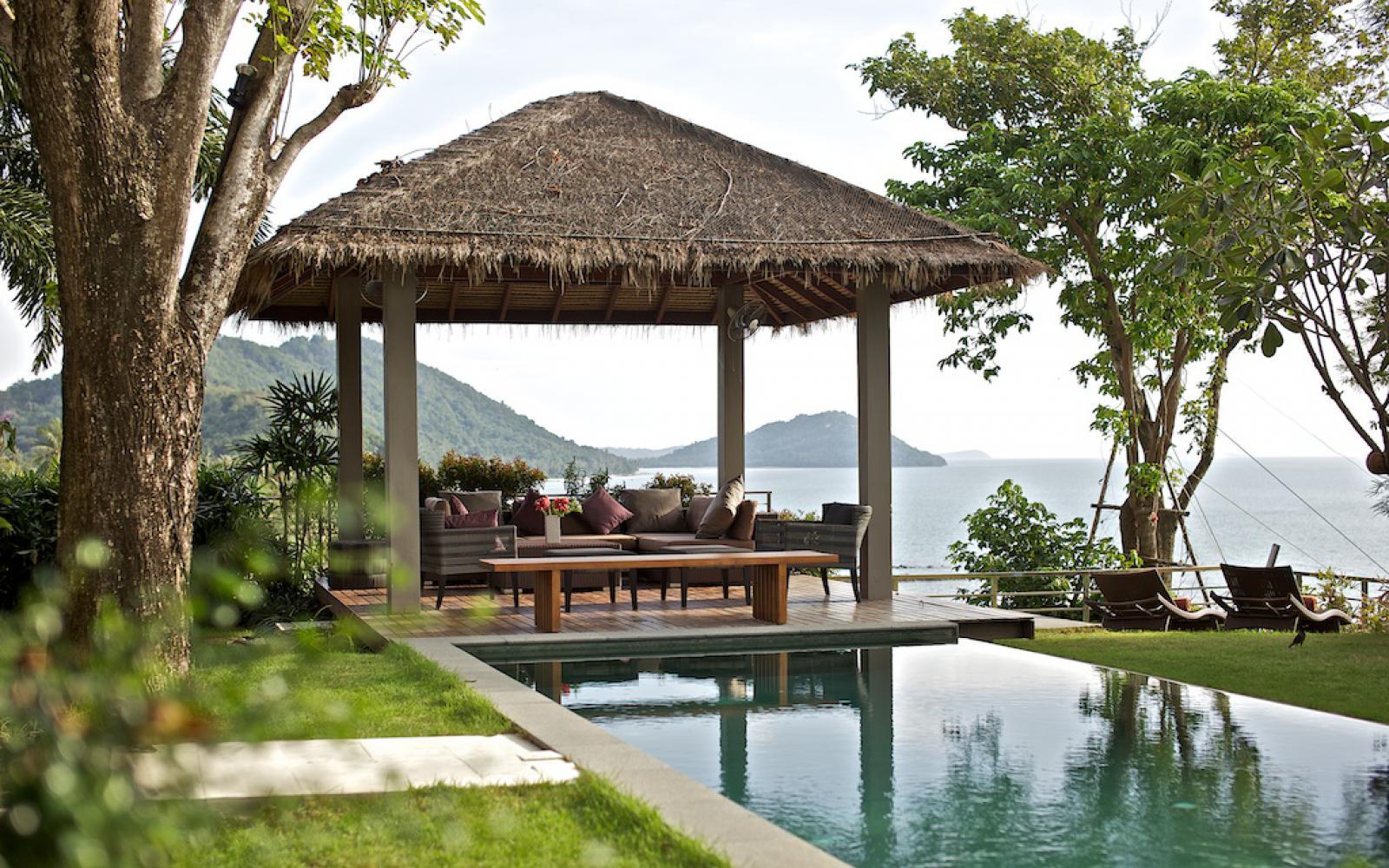 The headland villa 5 rental 4 bedrooms in villas taling for Koh tao cabana koi pool villa